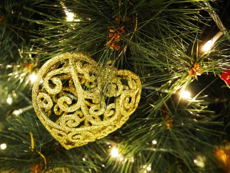 Kerstboom en decoratie royalty-vrije stock afbeeldingen
