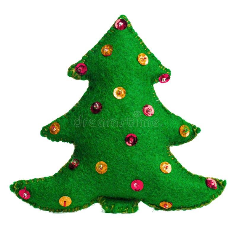 Kerstboom met de hand gemaakt stuk speelgoed op witte achtergrond stock afbeelding
