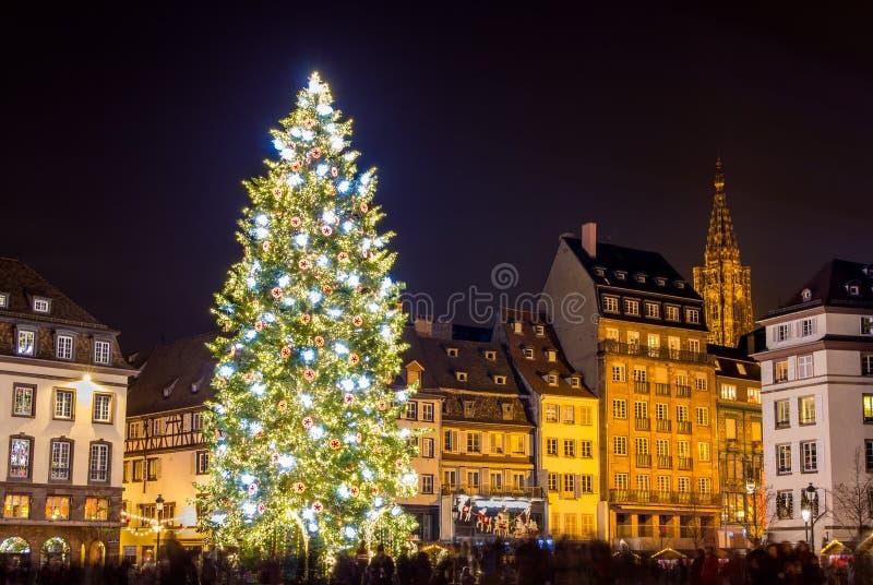 Kerstboom in Straatsburg stock afbeeldingen