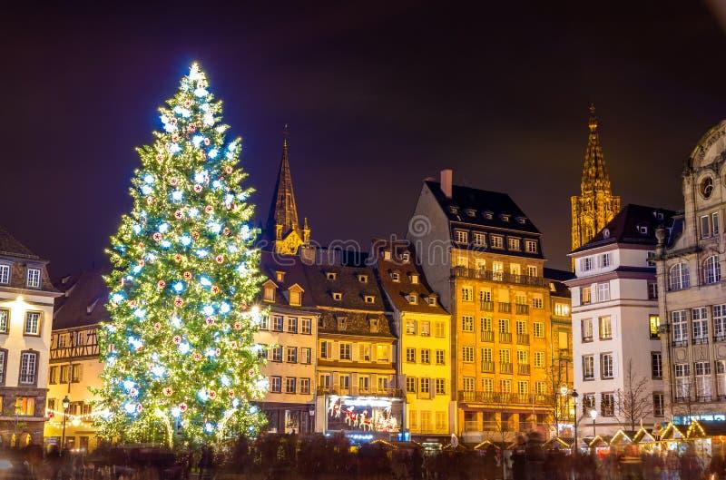 Kerstboom in Straatsburg, Kapitaal van Kerstmis stock foto's