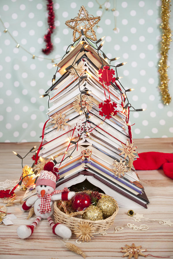 Kerstboom van boeken royalty-vrije stock afbeelding