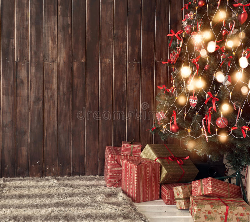 Kerstboom in woonkamer royalty-vrije stock foto's