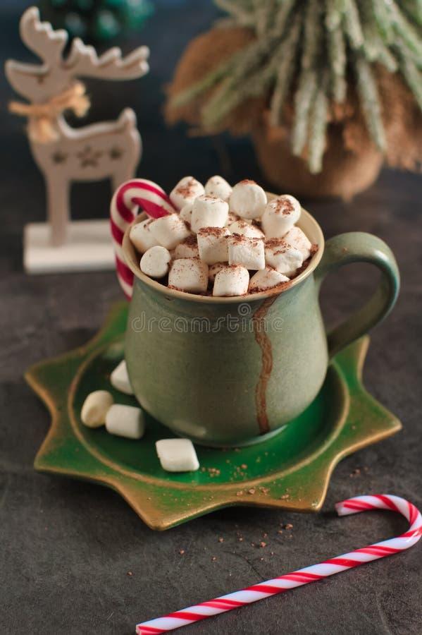 kerstdrank met versiering stock foto