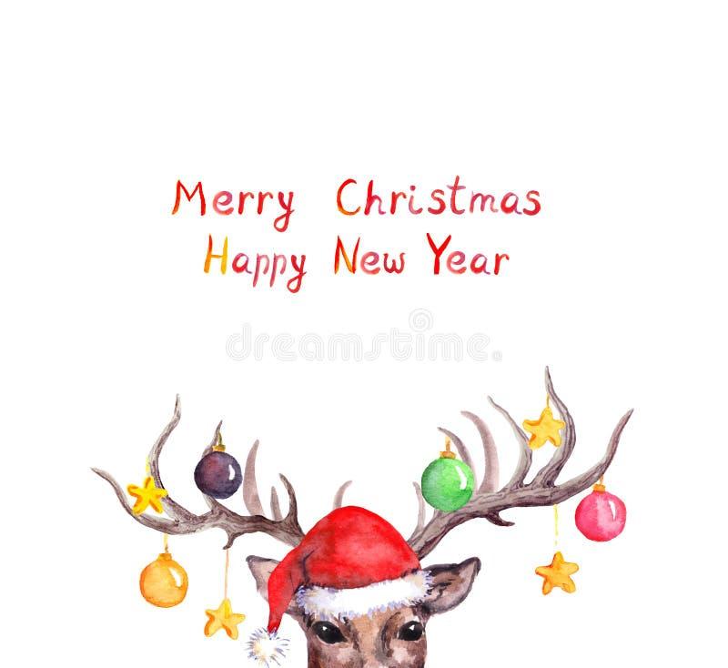 Kerstkaart - herten dierlijk hoofd in rode vakantiehoed met decoratieve snuisterijen op hoornen watercolor stock illustratie