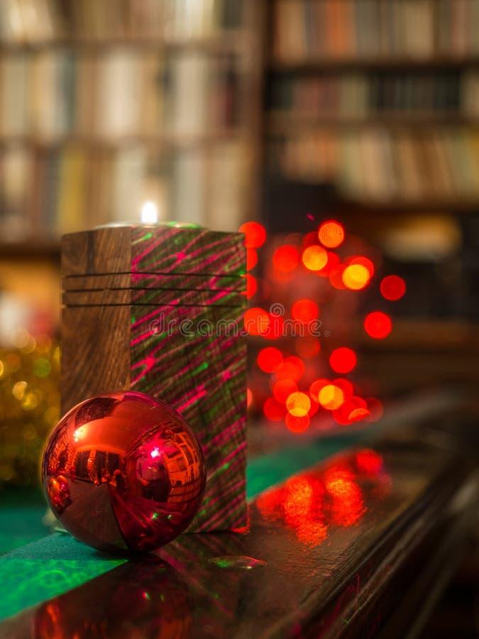Kerstmis in de bibliotheek stock foto