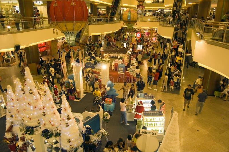 Kerstmis die bij de Medio Megawandelgalerij van de Vallei, KL winkelt royalty-vrije stock afbeelding
