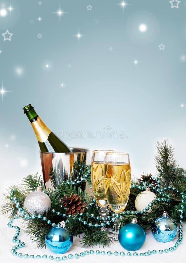 Kerstmis en de nieuwe lijst die van de jaarvakantie met champagne plaatsen viering De decoratie van de vakantie decor stock afbeelding