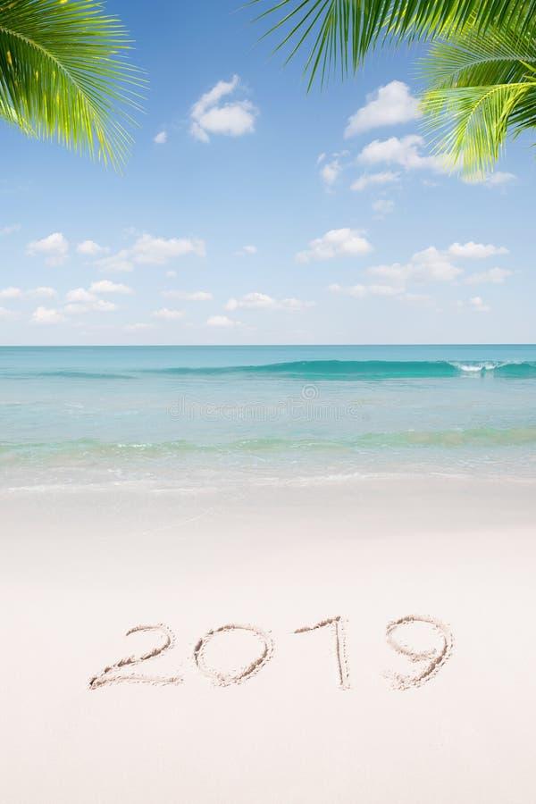 Kerstmis en het nieuwe tropische strand van het jaarthema royalty-vrije stock foto's