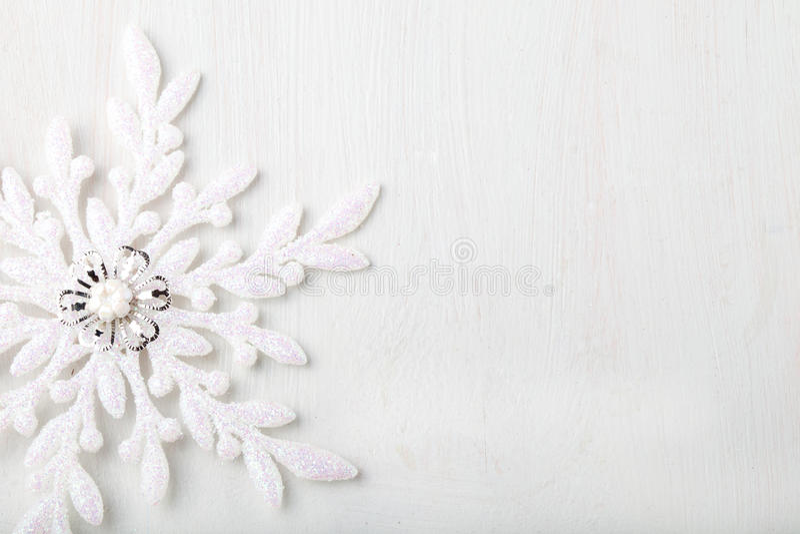 Kerstmis en Nieuwjaarachtergrond sneeuwvlok De ruimte van het exemplaar royalty-vrije stock foto's