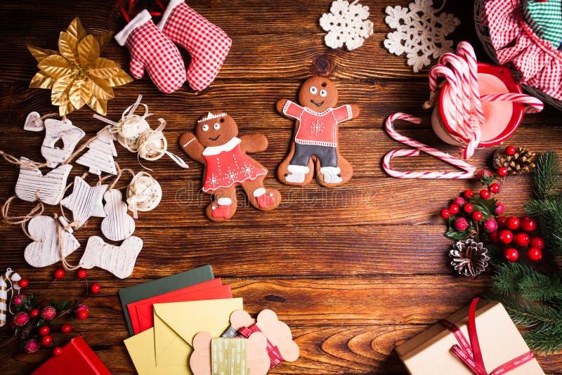 Kerstmis gingermen familie stock foto