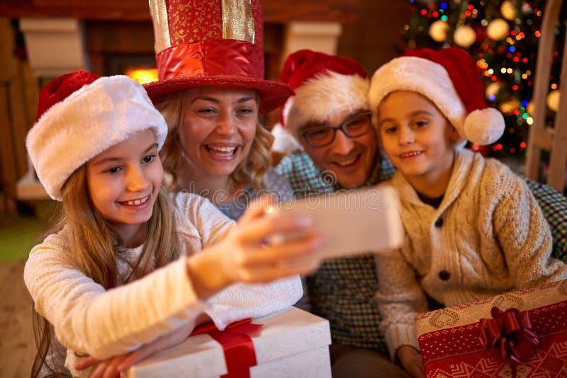 Kerstmis grappige selfie-tijd voor familie royalty-vrije stock foto