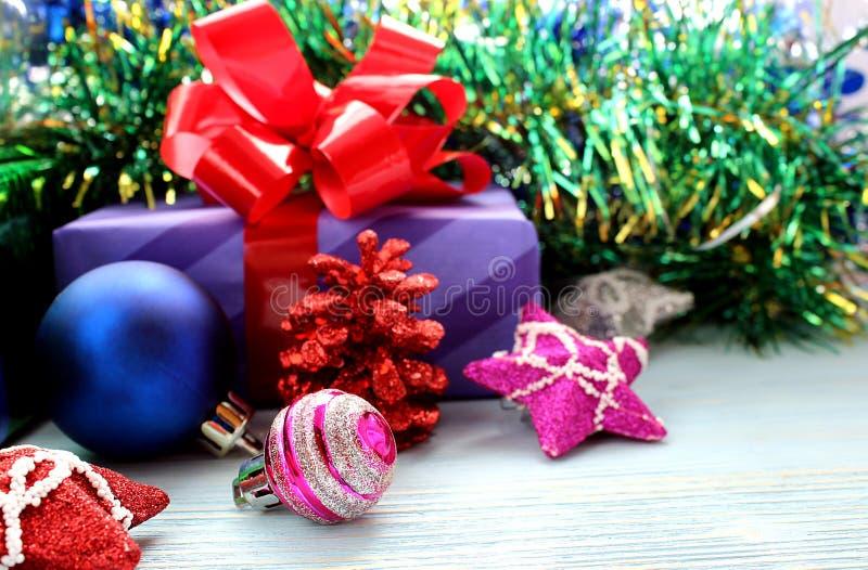 Kerstmis helder speelgoed voor sparren en giften royalty-vrije stock foto