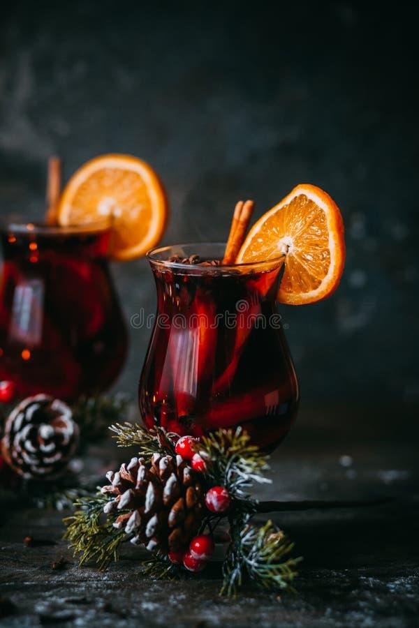 Kerstmis hete overwogen wijn stock afbeelding
