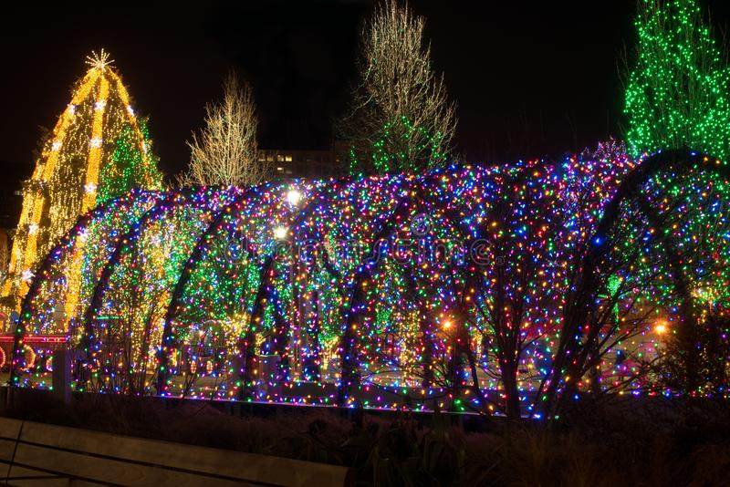 Kerstmis lichte tunnel stock foto's