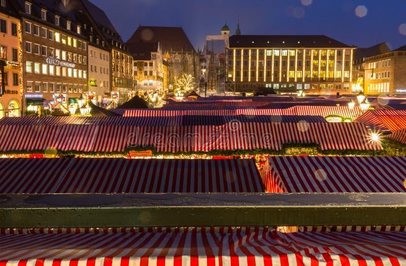 Kerstmis markt-Vele boxen Nuremberg (Nuernberg), Duitsland royalty-vrije stock afbeelding