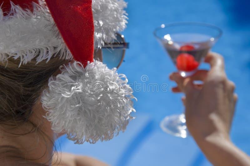 Kerstmis Martini van Poolside stock foto