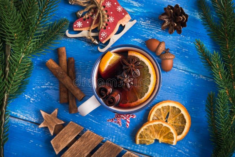 Kerstmis overwogen wijn stock afbeelding