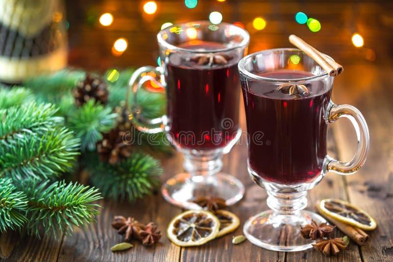 Kerstmis overwogen wijn stock foto