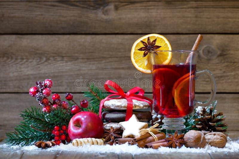 Kerstmis overwogen wijn stock fotografie