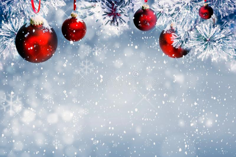 Kerstmis siert rode Achtergrond royalty-vrije stock afbeelding