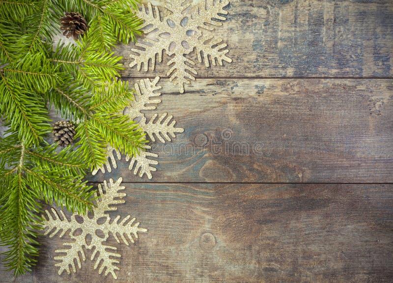 Kerstmisachtergrond, decoratie op een rustieke houten raad royalty-vrije stock foto