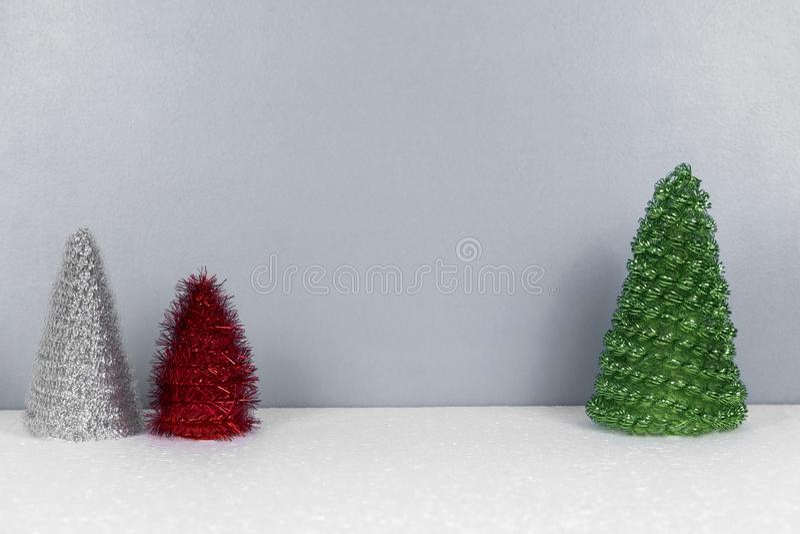 Kerstmisachtergrond met sparrenspeelgoed stock afbeeldingen