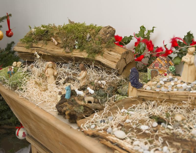 Kerstmiscrèche met Joseph Mary en kleine Jesus royalty-vrije stock afbeeldingen