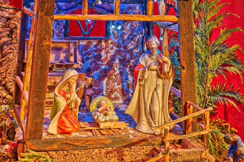 Kerstmiscrèche met Saint Joseph en Heilige Maagdelijke Mary royalty-vrije stock foto's