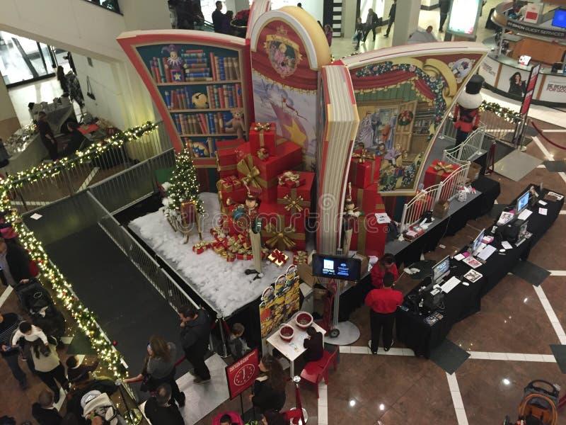 Kerstmisdecor bij de Westchester-Wandelgalerij in Witte Vlaktes, New York stock fotografie