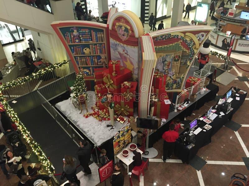Kerstmisdecor bij de Westchester-Wandelgalerij in Witte Vlaktes, New York royalty-vrije stock foto