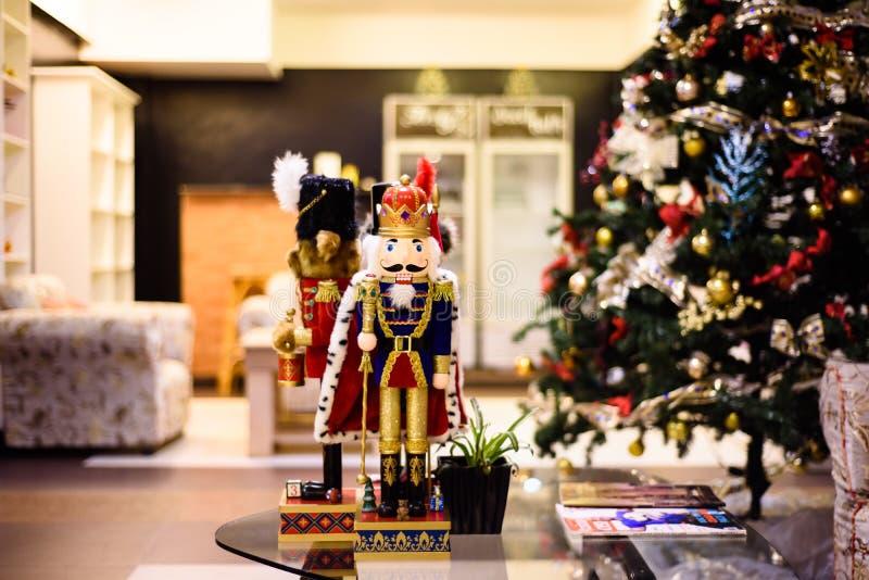 Kerstmisdecor bij de woonkamer stock fotografie