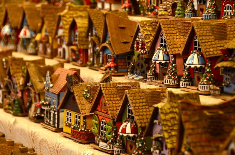 Kerstmisdecoratie in een Kerstmismarkt stock foto's