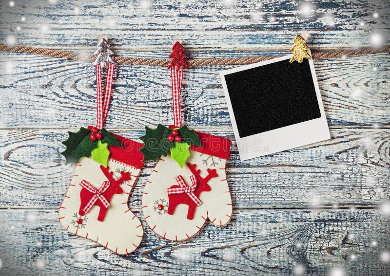 Kerstmisdecoratie en fotokader stock afbeeldingen