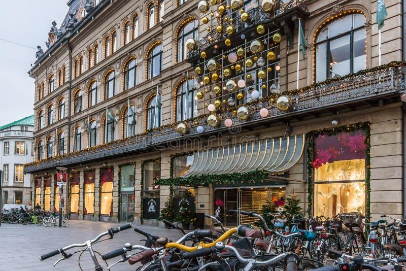 Kerstmisdecoratie in Magasin du Nord in Kopenhagen royalty-vrije stock foto's