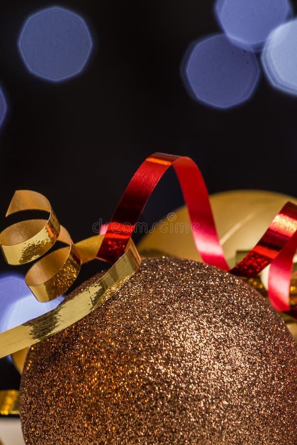 Kerstmisdecoratie met fee lichte achtergrond royalty-vrije stock foto's