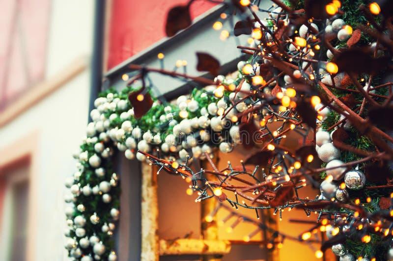 Kerstmisdecoratie op de straat in Europa royalty-vrije stock afbeeldingen