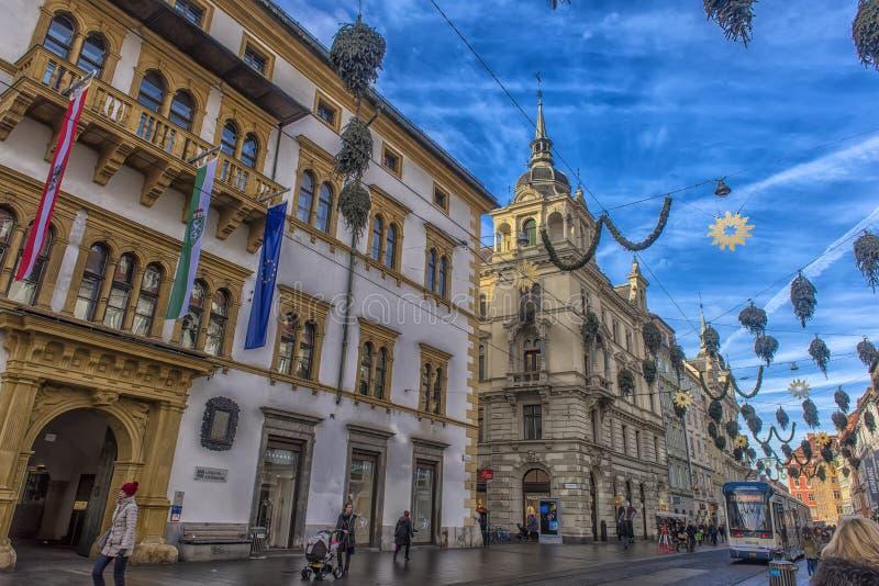 Kerstmisdecoratie op de straten van Graz tijdens komst en h royalty-vrije stock foto's