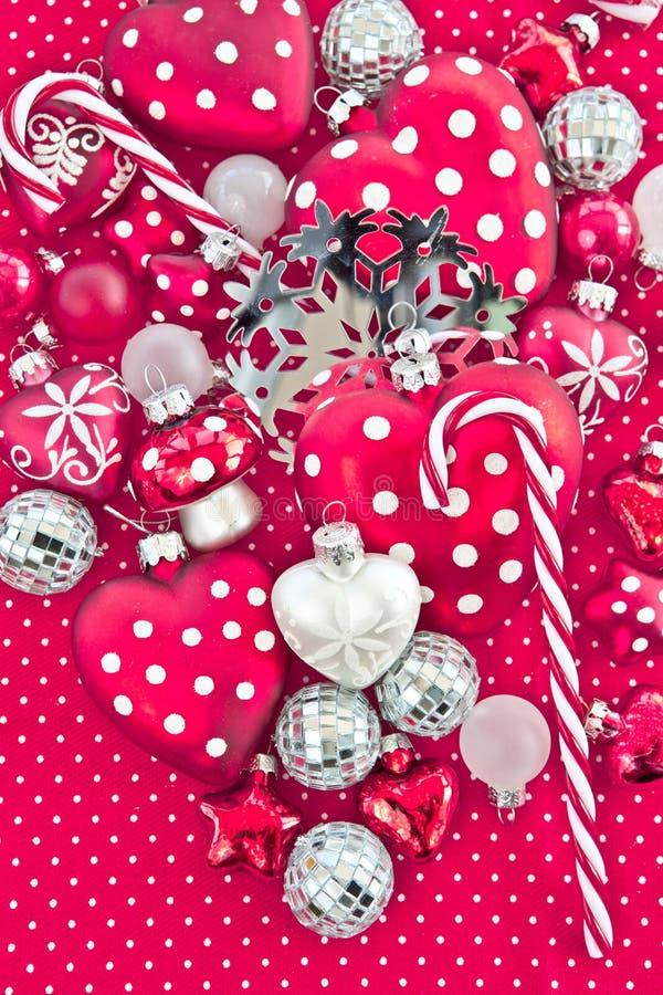 Kerstmisdecoratie in rood en wit stock afbeelding