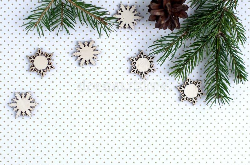 Download Kerstmisgiften En Giften Voor De Vakantie Nette Takken En D Stock Foto - Afbeelding bestaande uit traditie, doos: 107701966