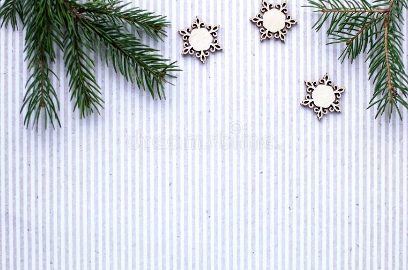 Download Kerstmisgiften En Giften Voor De Vakantie Nette Takken En D Stock Foto - Afbeelding bestaande uit ornament, cijfer: 107702418