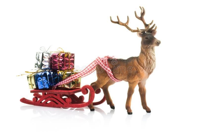 Kerstmisgiften op slee royalty-vrije stock afbeelding
