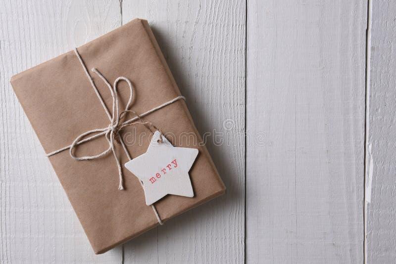 Kerstmisheden met duidelijk pakpapier wordt verpakt dat royalty-vrije stock foto