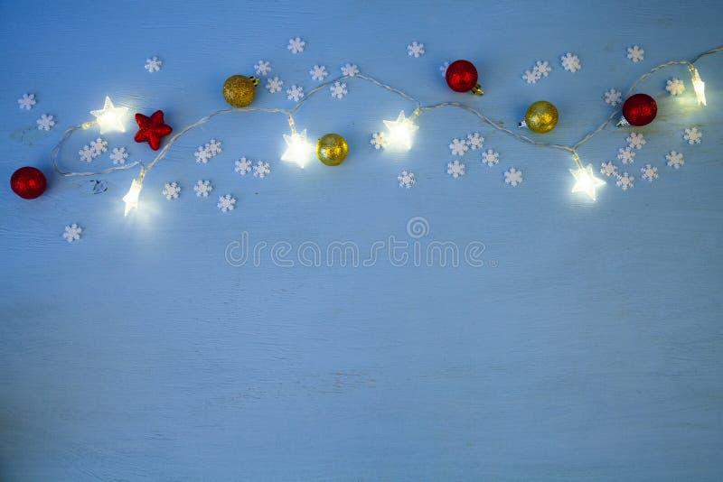 Kerstmislichten en ballen royalty-vrije stock afbeeldingen