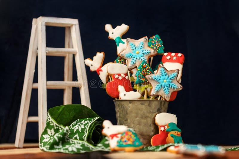 Kerstmislijst met snoepjes stock foto's