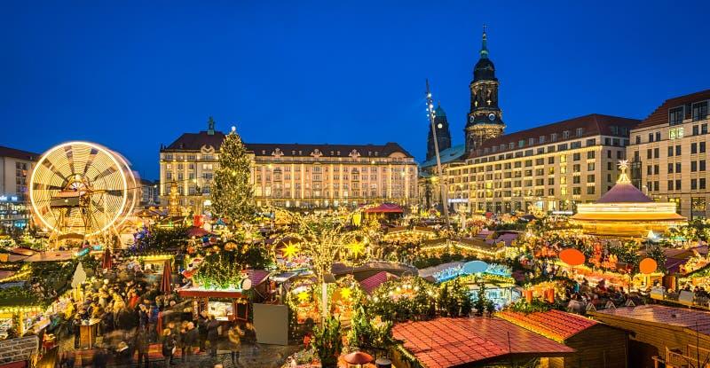 Kerstmismarkt in Dresden, Duitsland royalty-vrije stock foto's