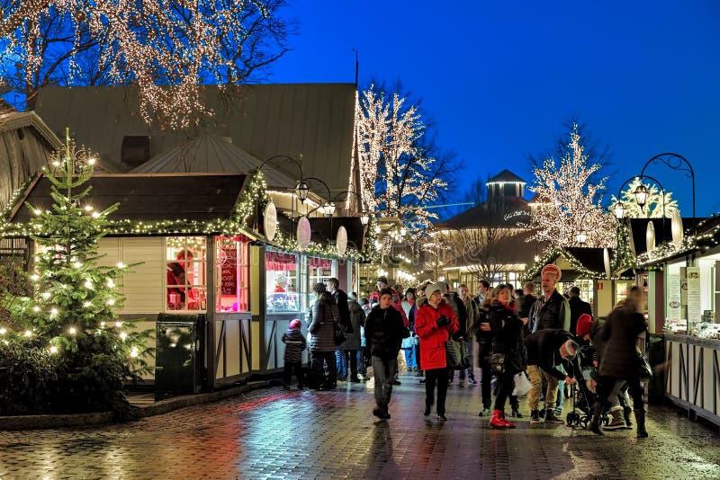 Kerstmismarkt in het pretpark van Liseberg in Gothenburg, Zweden royalty-vrije stock foto