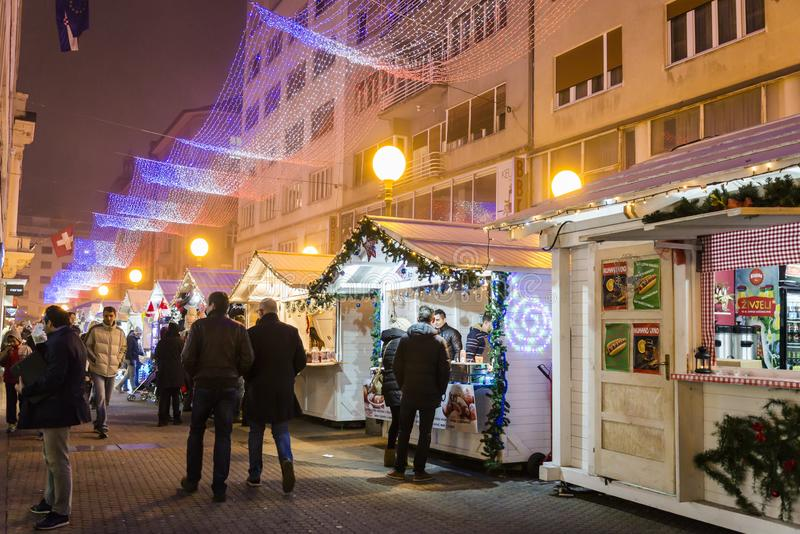 Kerstmismarkt, Komst in Zagreb, Kroatië royalty-vrije stock afbeeldingen