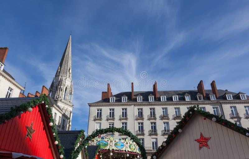 Kerstmismarkt in Koninklijk vierkant - Nantes, FRANKRIJK - NOVEMBER 2018 stock fotografie