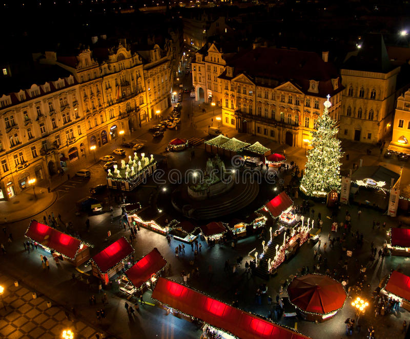 Kerstmismarkt in Praag royalty-vrije stock afbeelding
