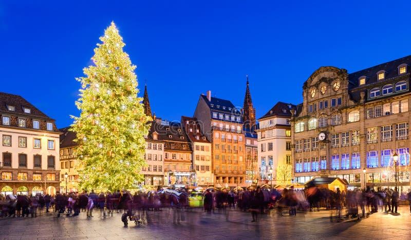 Kerstmismarkt in Straatsburg, Frankrijk stock afbeelding
